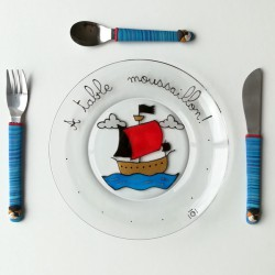 Assiette + 3 couverts Pirate