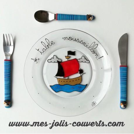 L' ensemble pirate avec son assiette et son trio de 3 petitscouverts pirate